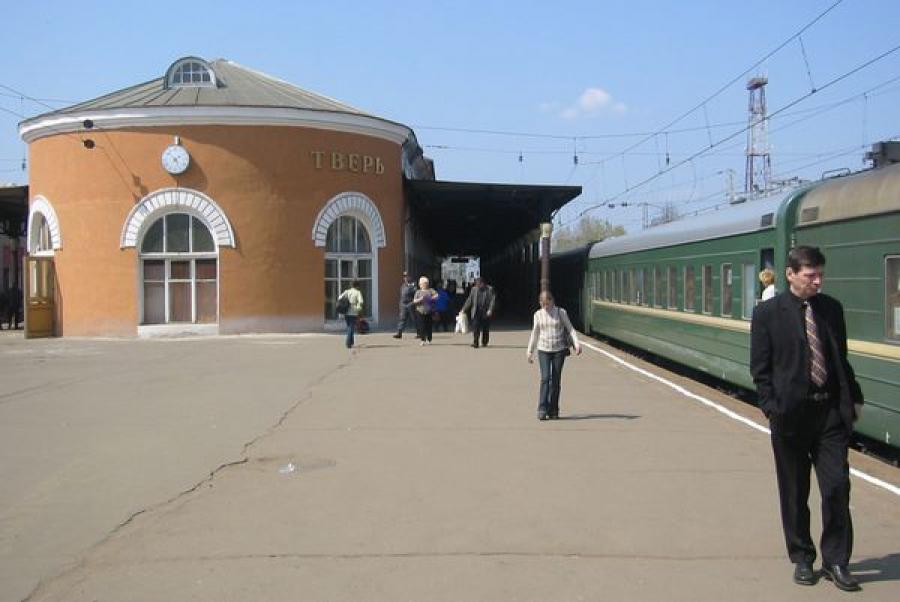 Провожающих к электричкам и поездам будут пускать под залог в 100 рублей