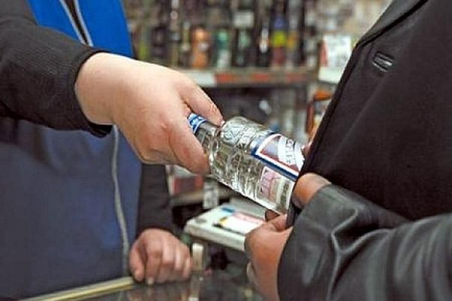 В одном из тверских магазинов незаконно продавали алкоголь