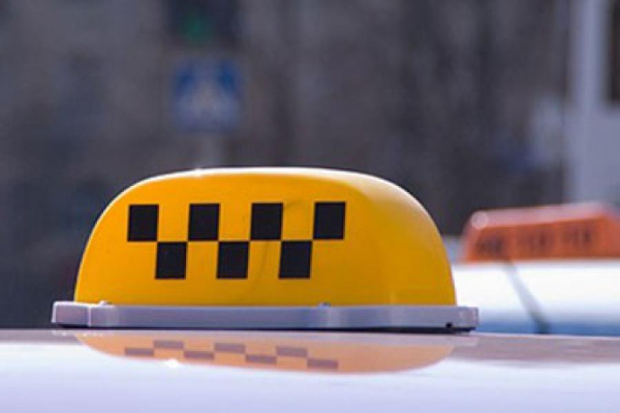 Таксисты повредили автомобиль конкурента