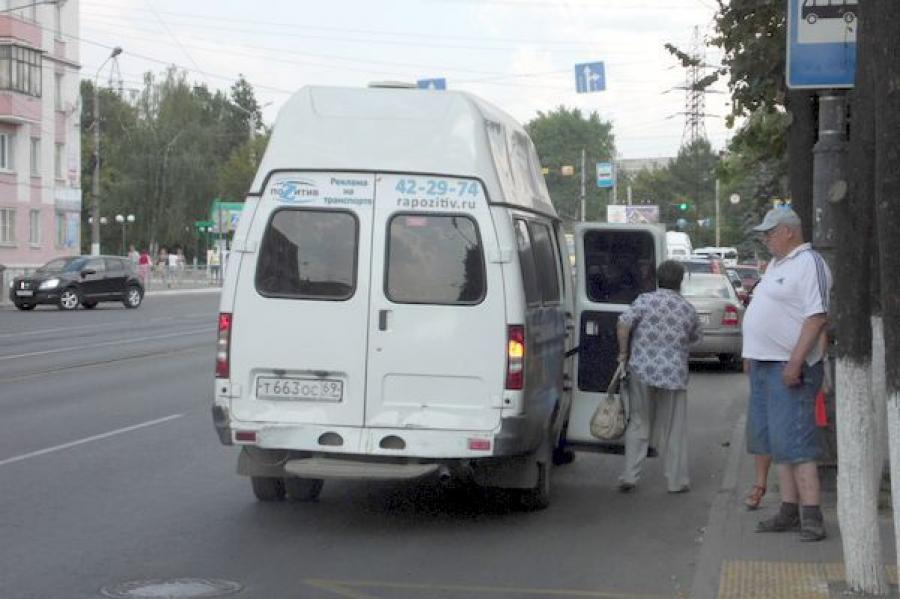 Маршрутчиков, работающих без договоров с муниципалитетом, будут выявлять в Твери в рамках операции «Автобус»