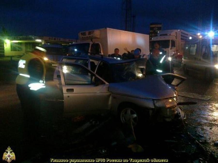 Четыре человека пострадали в ДТП на трассе М-10