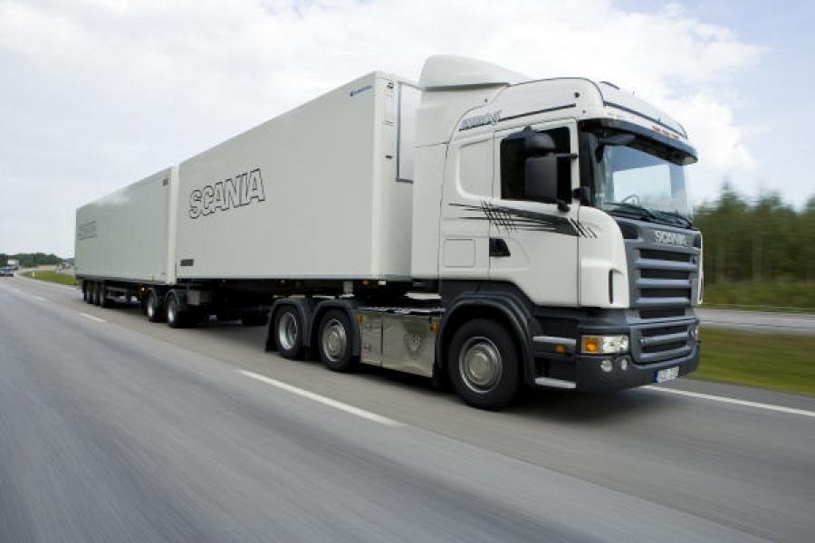 За перевозку тяжеловесных грузов по дорогам Тверской области придется платить больше
