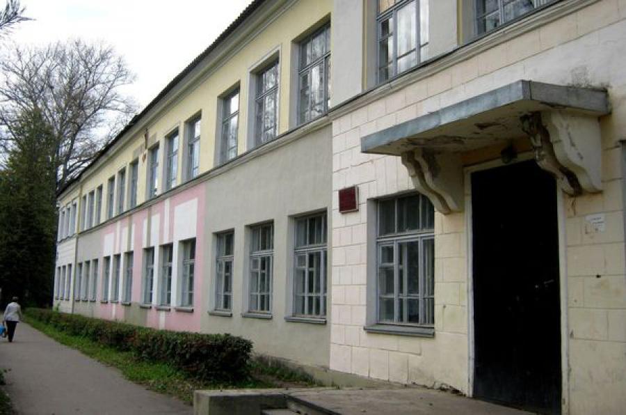 В Ржеве на ремонт закрылась школа