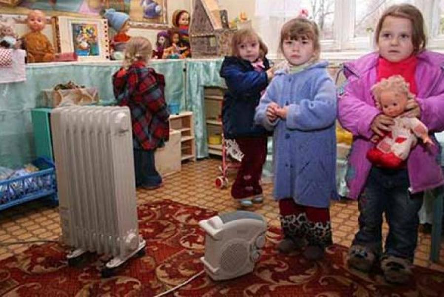 В Торжке мёрзнут жители 35 домов и воспитанники 2 детсадов, двое простывших детей уже попали в больницу