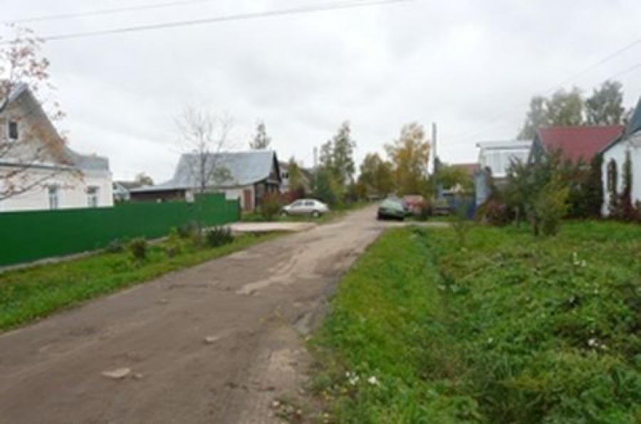 В поселке Крупской чистят ливневые канавы: будет ли от этого польза?