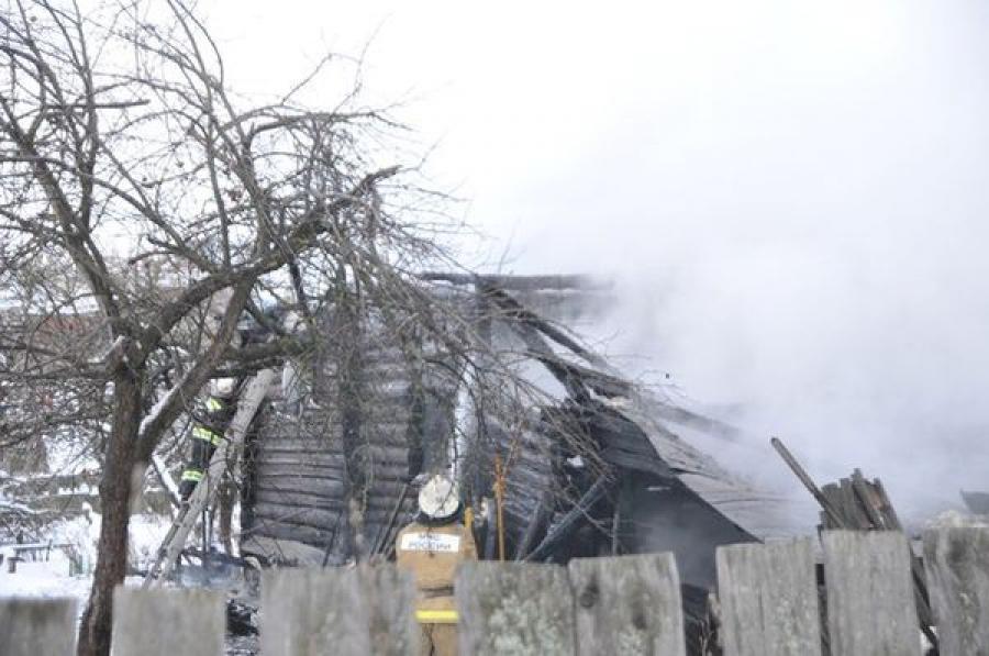 В Конакове из-за короткого замыкания сгорел дом