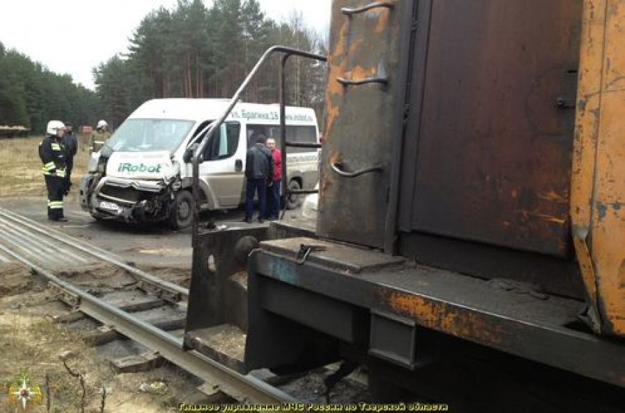 Авария на железнодорожном переезде: пострадал 1 человек