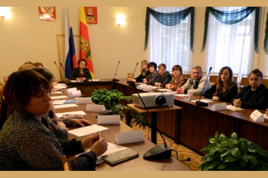 В Тверской области 922 ребенка мечтают иметь семью