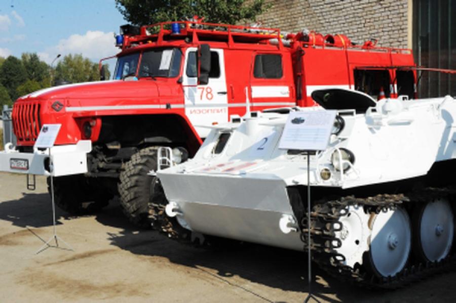 Пожарные Верхневолжья получили новую технику: автоцистерну, квадроциклы и снегоболотоходы