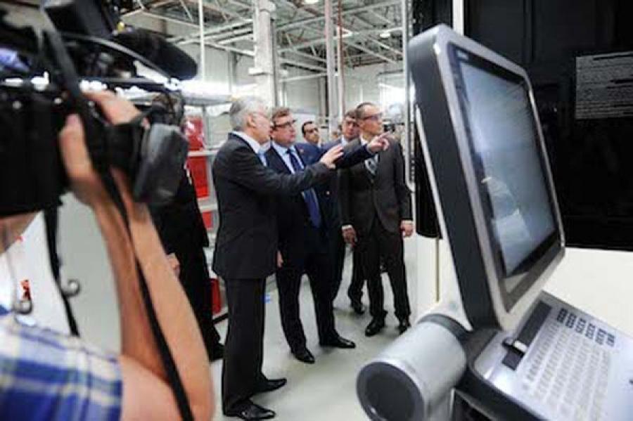 Руководство региона побывало на заводе «Хамильтон Стандард – Наука» в Кимрах