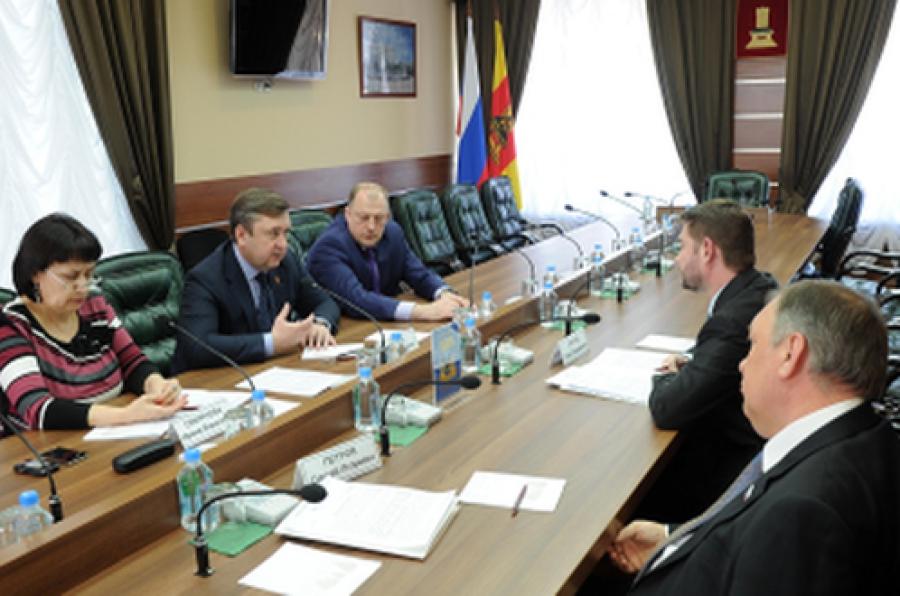 Губернатор и депутаты фракции ЛДПР обсудили здравоохранение и сельское хозяйство