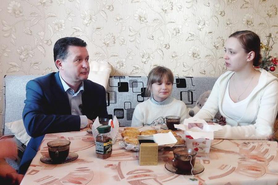 Дочери женщины, погибшей под завалом в Твери, справили новоселье