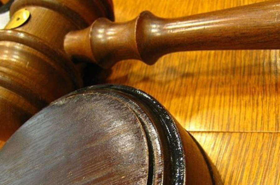 Суд запретил перевозить пассажиров нескольким фирмам, выдававшим частные перевозки за заказные