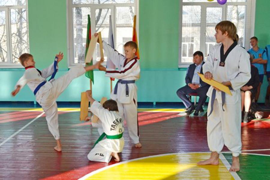 В Горютинской сельской школе появился современный спортзал