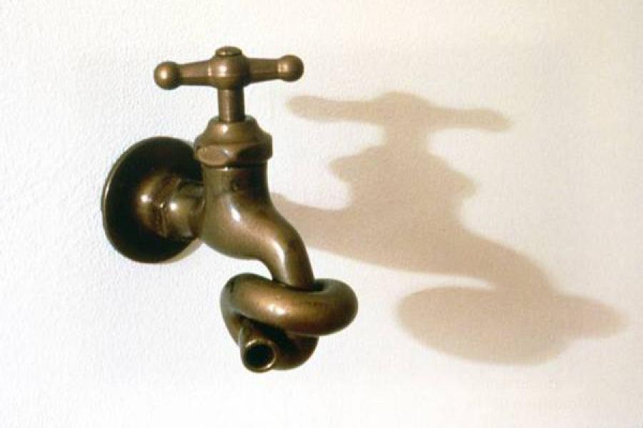 В домах тверитян из-за прорыва или ремонтных работ отключают воду и тепло