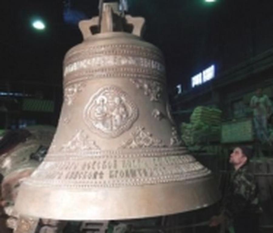 Два больших колокола для Александро-Невской Лавры увидят в Твери