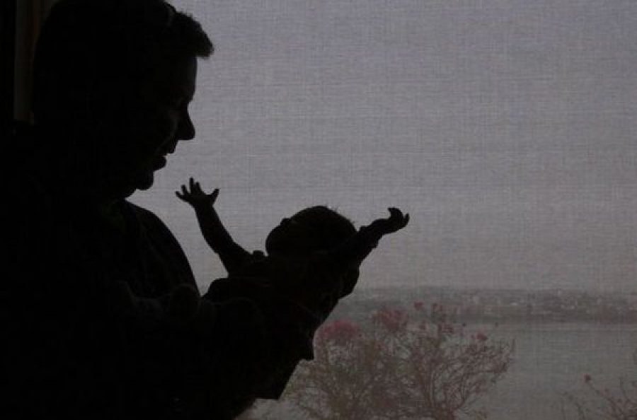 Заключены под стражу женщины, пытавшиеся продать новорожденную девочку