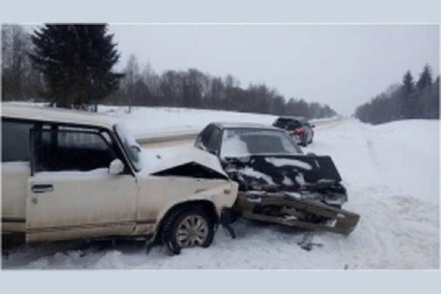 На трассе М-9 столкнулись 4 автомобиля
