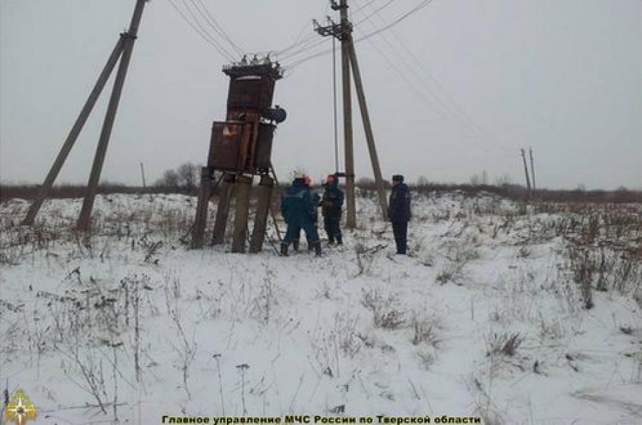 В четырех районах не было света из-за снега и ветра