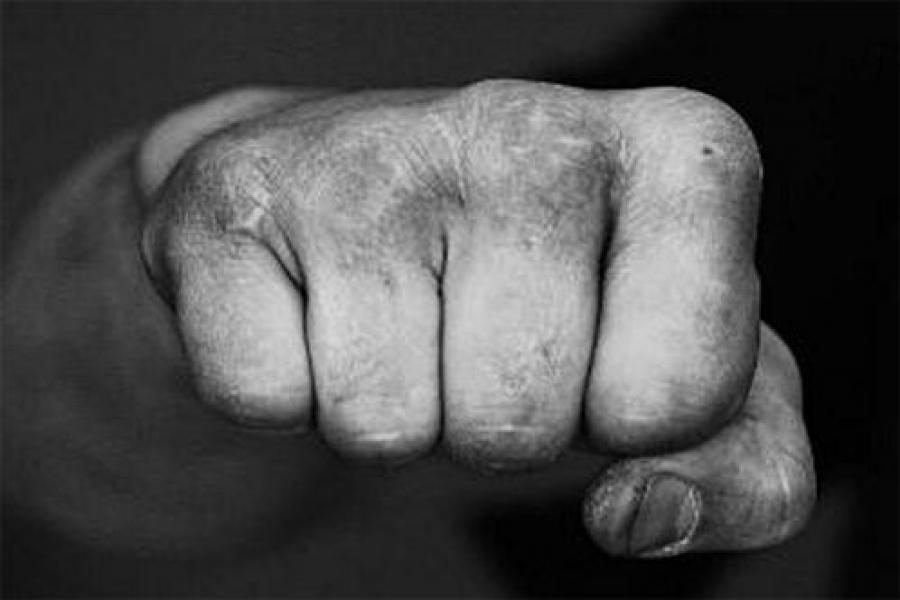 Уроженцев Таджикистана будут судить за избиение сотрудника полиции