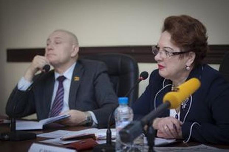 Проект бюджета Твери на 2014 год общественность назвала кризисным