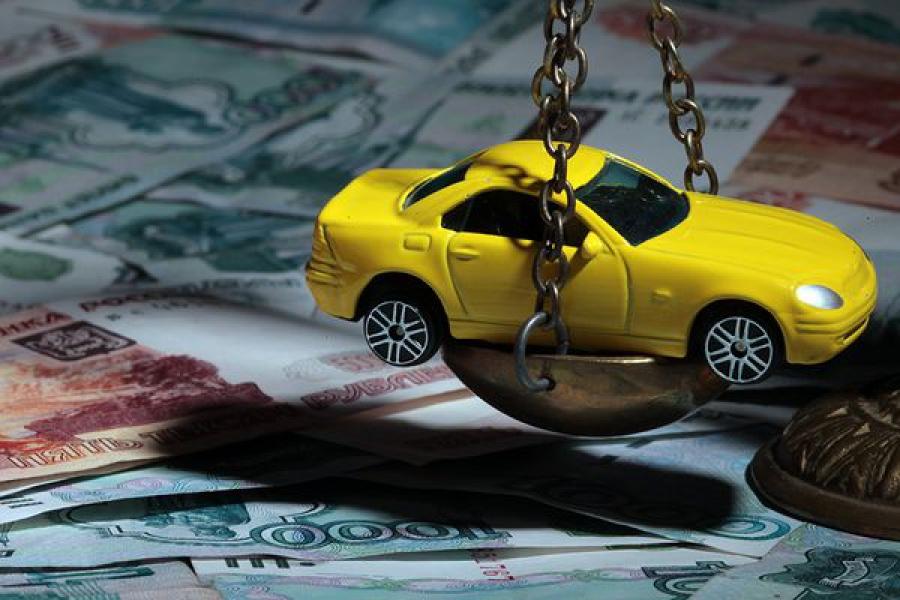 Сотрудника страховой компании оштрафовали за навязывание допуслуг