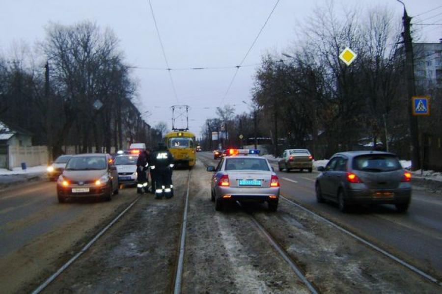 Женщину сбили на пешеходном переходе на улице Благоева в Твери
