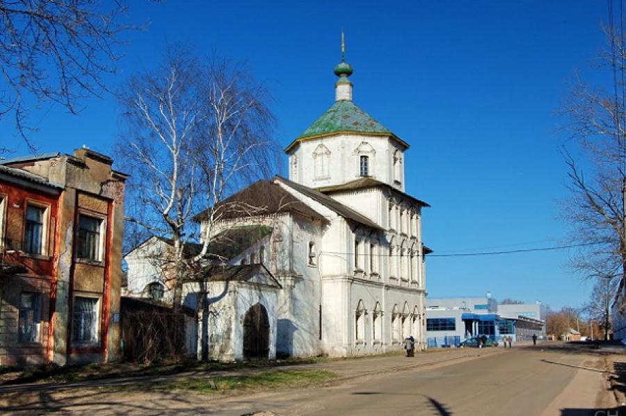 Тверской Храм Бориса и Глеба украсит рождественская ель