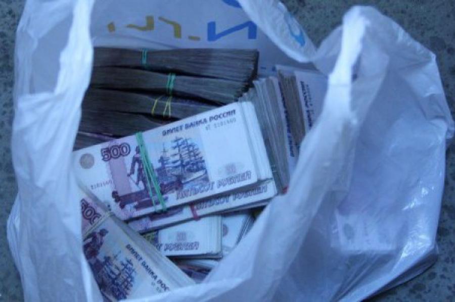 Водитель-экспедитор присвоил 160 тысяч рублей фирмы, в которой работал