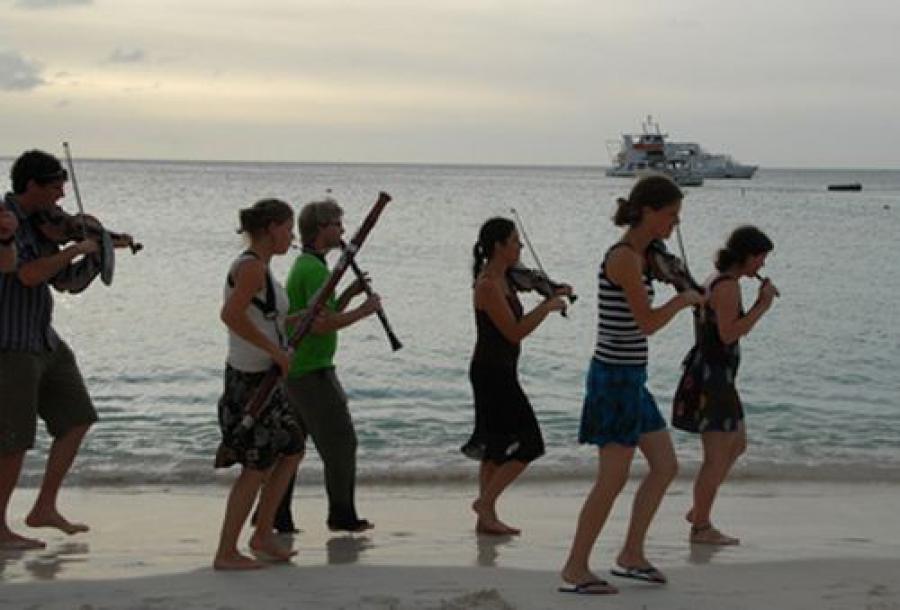 Уличный симфонический оркестр из Голландии «Ricciotti Ensemble» приедет в Тверь