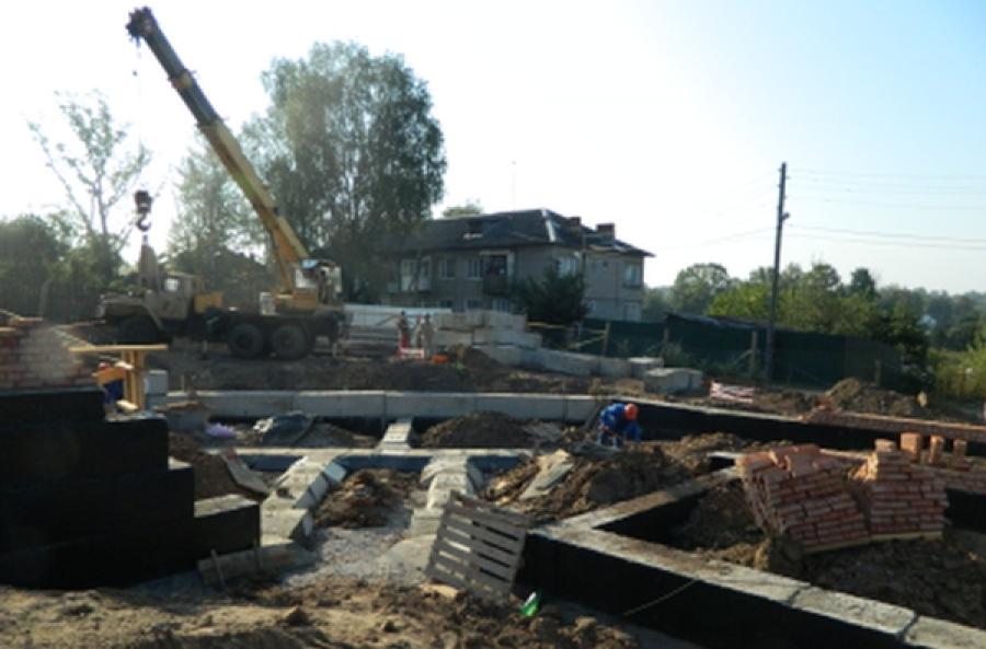 В Зубцове отстает от графика строительство дома для расселения граждан из аварийного жилья