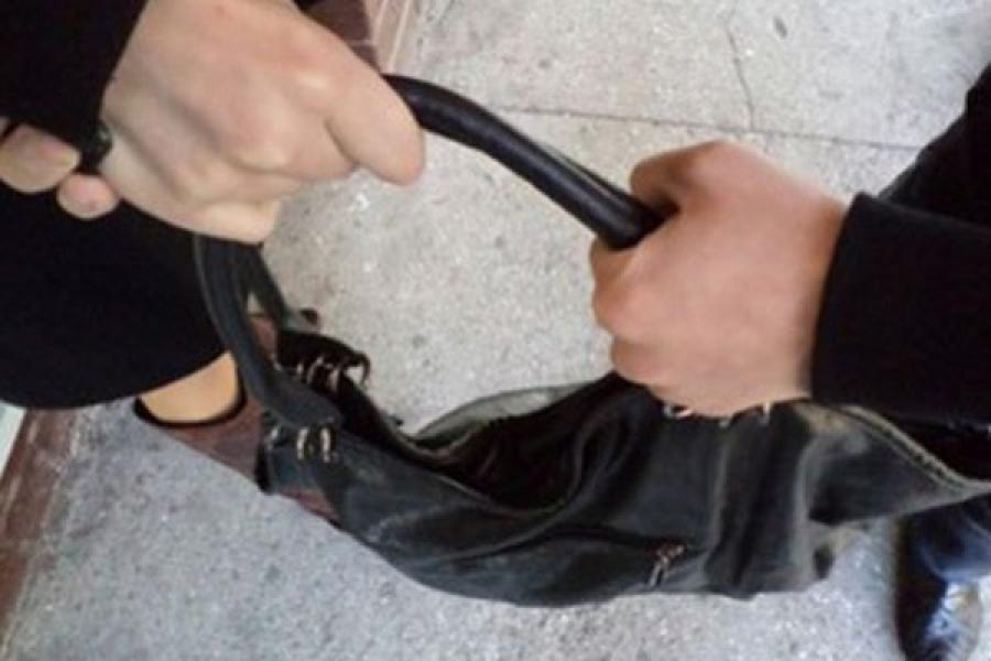 В Торжке задержали любителя чужих сумок