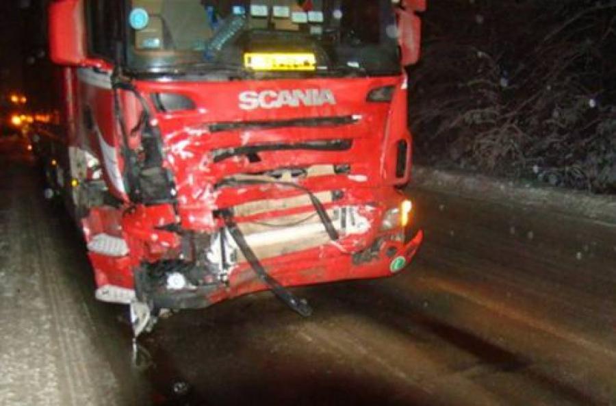 Легковушка столкнулась с грузовиком в Торопецком районе: один человек погиб