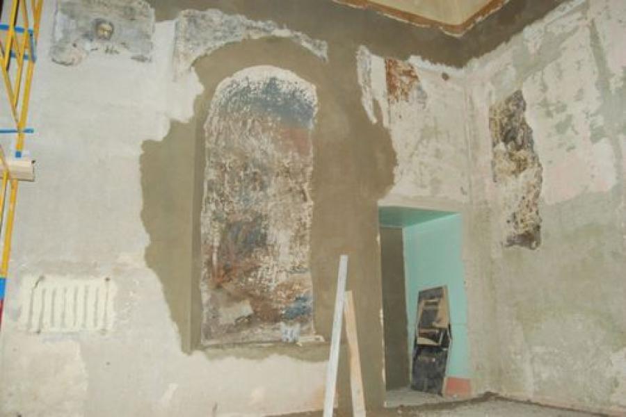 Настенная роспись 1870-х годов обнаружена в Воскресенском соборе в Кашине