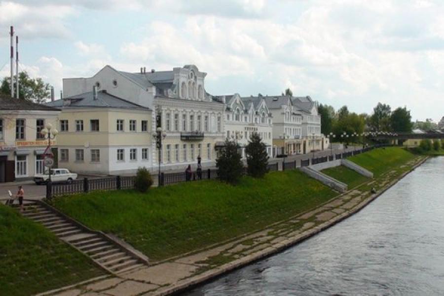 Рабочая поездка в Лихославль: губернатор посетил школу, парк и рынок