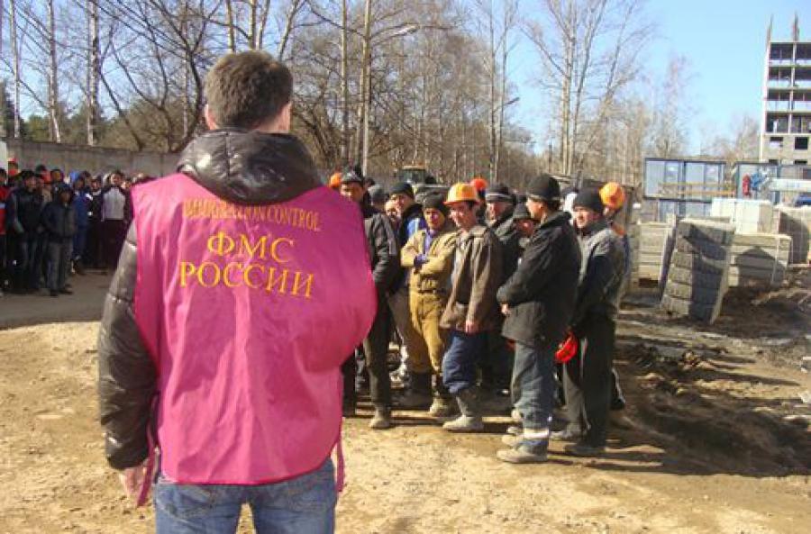 Более 200 рабочих-нелегалов нашли на одной из тверских строек