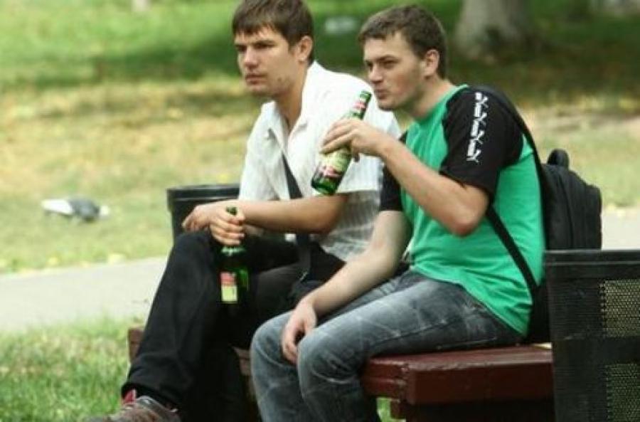 В Твери штрафуют за распитие пива и беспорядок на контейнерных площадках