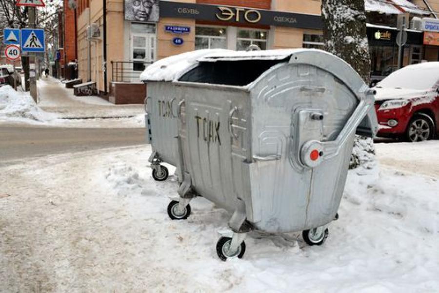 В Твери меняется схема уборки мусора: на бульваре Радищева переставили контейнеры