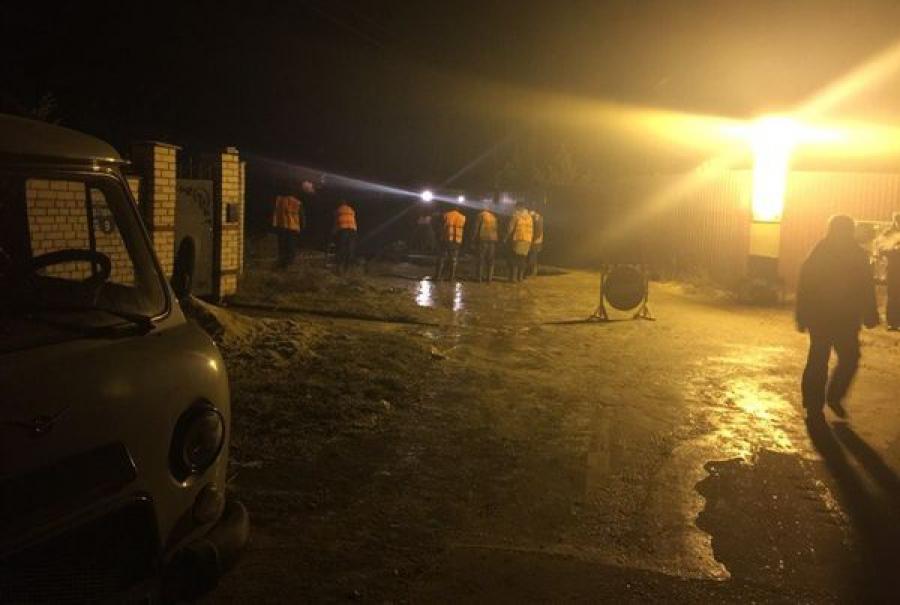 Аварийный участок водовода перекрыт, вода возвращается в дома тверитян