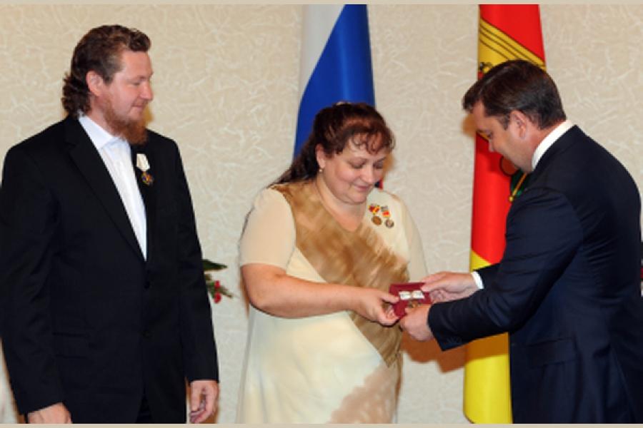 Губернатор вручил награды самым достойным жителям Тверской области