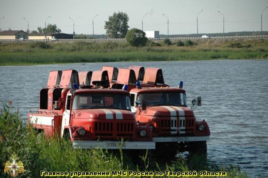 Природные пожары в Тверской области тушат почти 1,5 тысячи человек