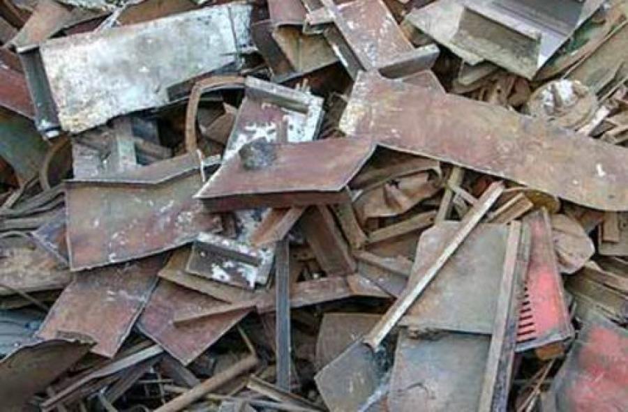 Выявлен незаконный пункт приема металла в Зубцове