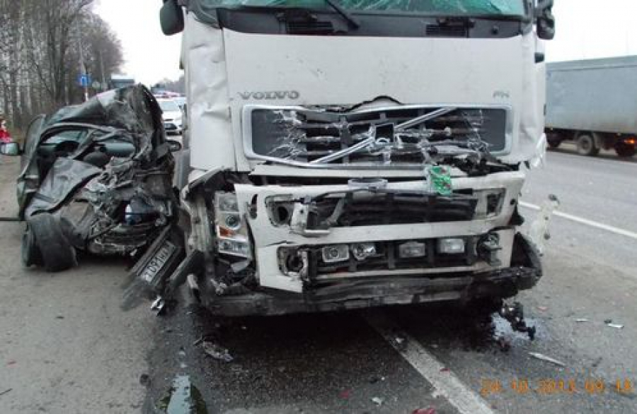 Крупное ДТП на М-10: пять машин и четверо пострадавших