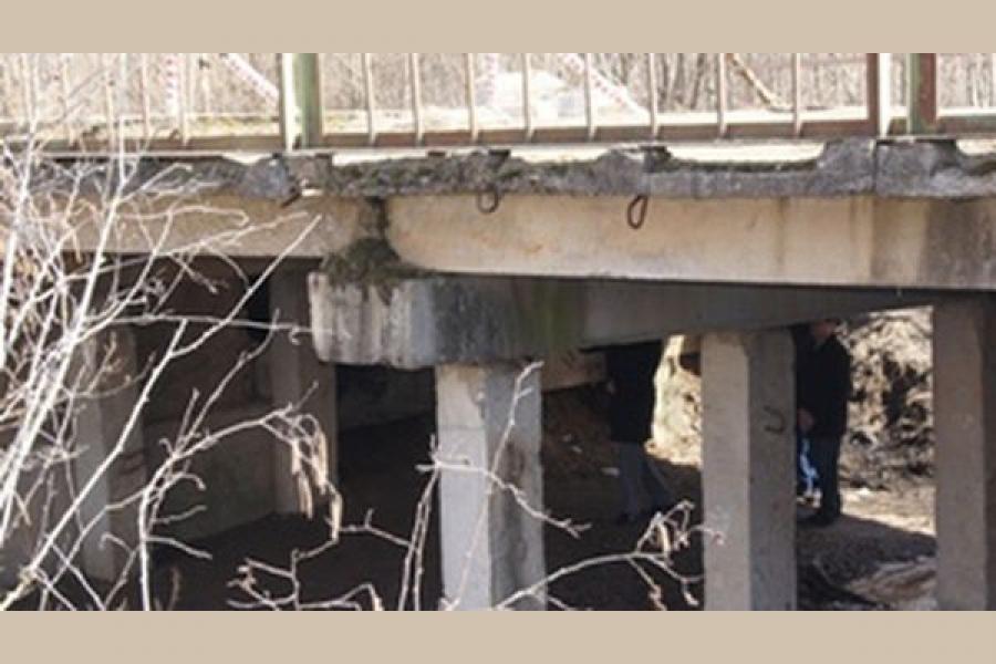 Мост через реку Инюха в Конаковском районе реконструируют