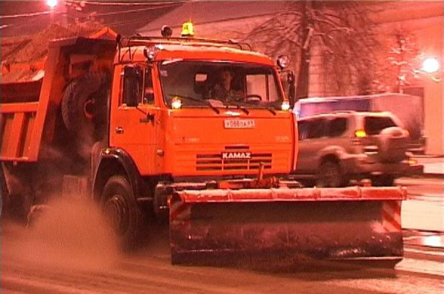 Ночью Тверь будут очищать от снега 45 единиц техники