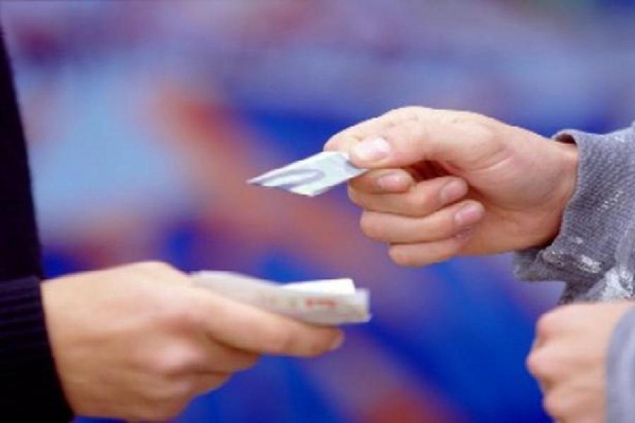 За перевозку и продажу наркотиков в Торжке будут судить подростка и его взрослого знакомого