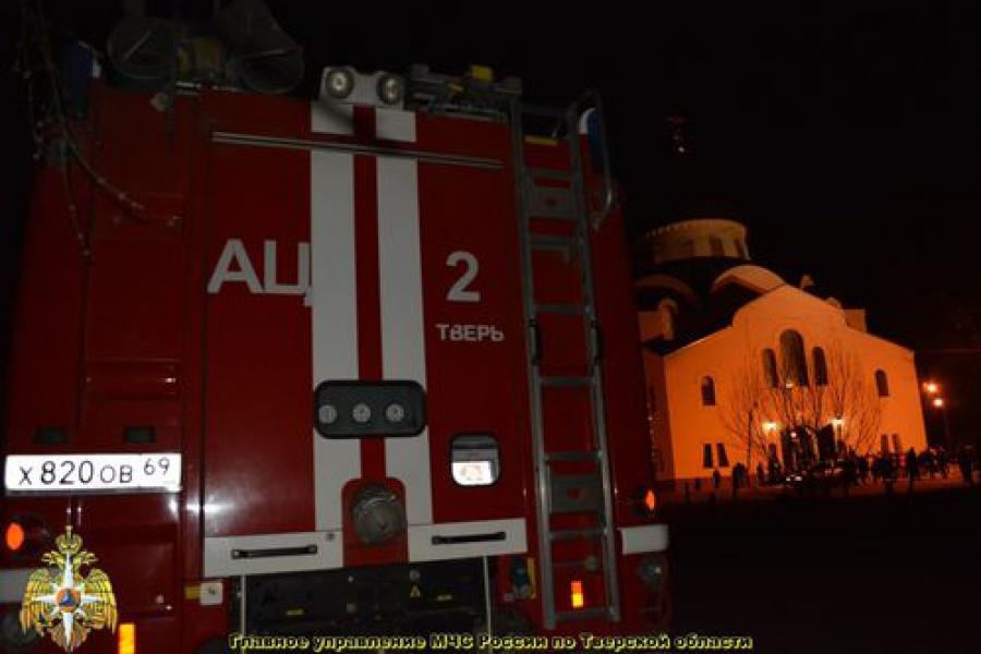 Пасхальная ночь прошла без происшествий, сообщает региональное ГУ МЧС