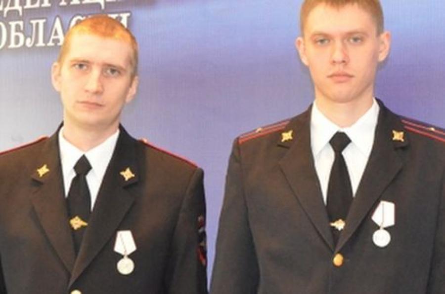 За подвиг в новогоднюю ночь полицейские награждены медалью
