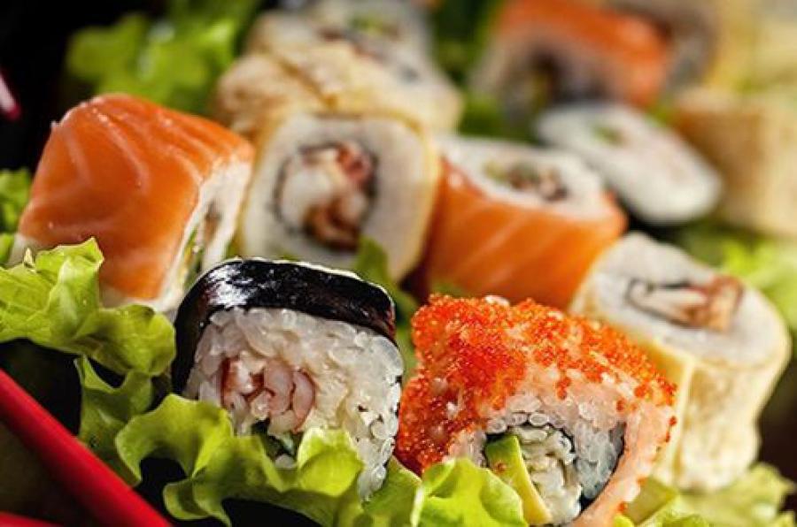Суд приостановил на 90 суток работу компаний, чьими суши и пиццой отравились тверичи
