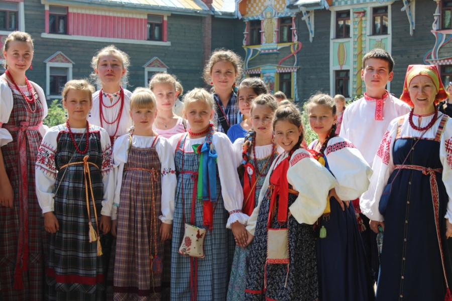 Детский ансамбль «Ладушки» стал номинантом фестиваля «Мир Сибири»